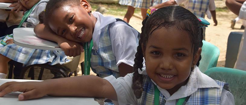 La niñez sonríe en Santa Ana y Ararca, Isla de Barú.